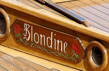 Blondine, name on a traditional Zeesbootes in the port of Ahrenshoop-Altenhagen, Fischland-Darss-Zingst, Baltic Sea, Mecklenburg-Western Pomerania, Germany, Europe