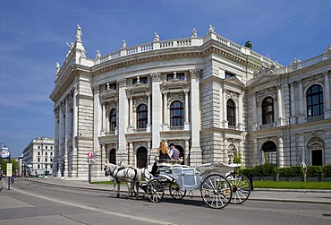 Fiaker, a Viennese horse-drawn carriage, in front of the Burgtheater or Imperial Court Theatre, Ringstrasse, Vienna, Austria, Europe