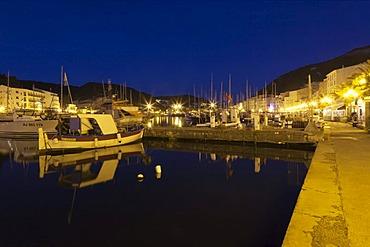 Promenade at the port of Bonifacio, Strait of Bonifacio, Corsica, France, Europe