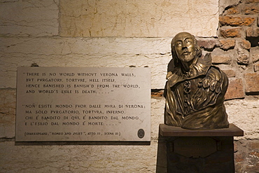 Shakespeare bust and a quote from Romeo and Juliet, Verona, Veneto, Italy, Europe