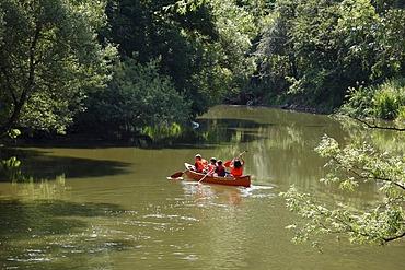 Canoe on the Altmuehl river, Altendorf, Altmuehltal region, Upper Bavaria, Bavaria, Germany, Europe