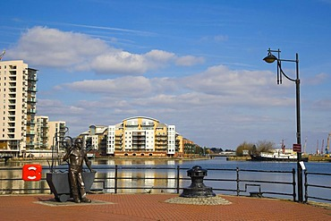 From Pit to Port, bronze statue by John Clinch, Jon Buck, Roath Basin, Waterfront Park, Cardiff Bay, Cardiff, Caerdydd, South Glamorgan, Wales, United Kingdom, Europe