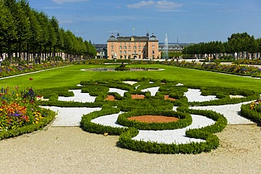 Castle gardens and Schloss Schwetzingen castle, 18th century, Schwetzingen, Baden-Wuerttemberg, Germany, Europe