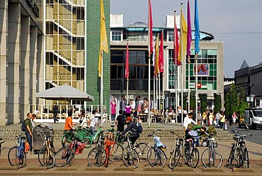 Bicycles at the World Trade Center, WTC tower at the Beursplein, Rotterdam, Zuid-Holland, South-Holland, Netherlands, Europe