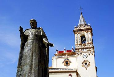 Statue of bishop Manuel Gonzalez Garcia in front of the church Iglesia de San Pedro, Huelva, Costa de la Luz, Huelva, Andalusia, Andalucia, Spain, Europe