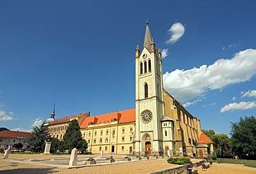 Gothic Franciscan parish church, Magyarok Nagyasszonya Templom, at Fo ter Square in Keszthely, Hungary, Europe