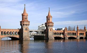 Oberbaumbruecke Bridge, Kreuzberg, Friedrichshain, Berlin, Germany, Europe
