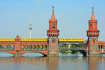 Subway on the Oberbaumbruecke bridge crossing the Spree River, Fernsehturm, Television Tower, Berlin, Germany, Europe