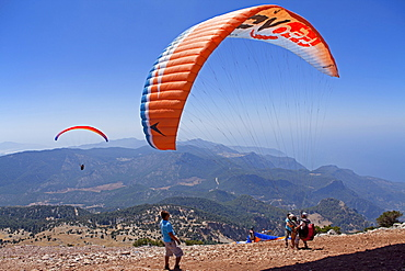 Paragliding from Mt Baba Dagi to Oludeniz or Olu Deniz Bay near Fethiye, west coast, Turkey, Asia