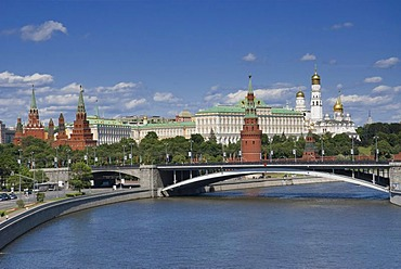 View of Bolshoy Kamenny Most stone bridge and Moscow Kremlin, Moscow, Russia