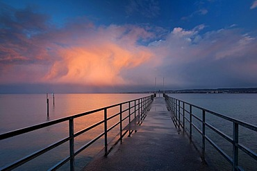 Jetty on Lake Constance in the evening light, Baden-Wuerttemberg, Germany, Europe