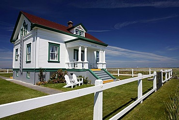 House, Dungeness Lighthouse on the sandspit of Olympic Peninsula, Sequim, Washington, USA