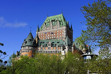 The famous Chateau Frontenac overlooking the historic town centre of Quebec City, Quebec, Canada