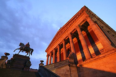 Alte Nationalgalerie Old National Gallery at dusk, Museumsinsel museum island, Berlin, Germany, Europe