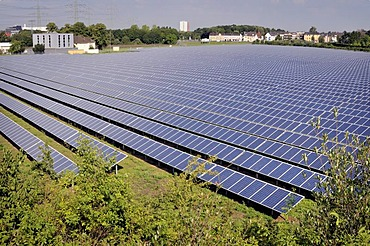 Open space photovoltaic plant, currently the largest site in North Rhine-Westfalia, covering an area of 80, 000 square metres with a capacity of 3600 kWp, Troisdorf-Oberlar, North Rhine-Westfalia, Germany, Europe