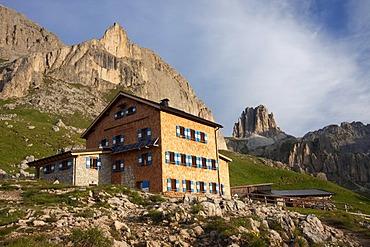 Rifugio Roda di Vael with rose garden, Dolomites, South Tyrol, Italy, Europe