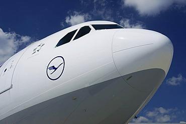 Air, Lufthansa, Airbus A 340 cockpit
