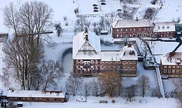 Aerial view, Schloss Oberwerries moated castle, snow, Werries, Hamm, Ruhrgebiet area, North Rhine-Westphalia, Germany, Europe