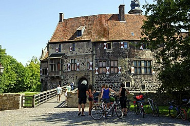 Burg Vischering moated castle, Luedinghausen, North Rhine-Westfalia, Germany, Europe