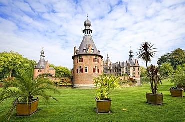 Ooidonk Castle, Deinze, Bachte Maria Leerne, Belgium, Europe