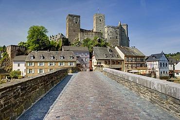 Old Lahn bridge, Runkel an der Lahn, Hesse, Germany, Europe