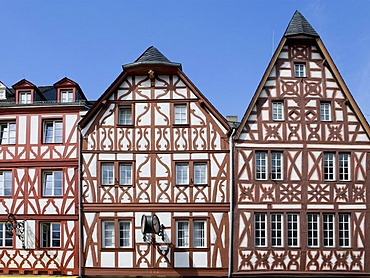 Half-timbered houses, Hauptmarkt central square, Trier, Rhineland-Palatinate, Germany, Europe