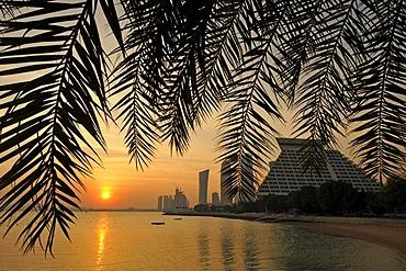 Sunset, Persian Gulf, Navigation Tower, Sheraton Hotel, Doha, Emirate of Qatar, Middle East, Asia