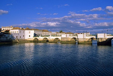 River Rio Gilao with Ponte Romana, Tavira, Algarve, Portugal, Europe