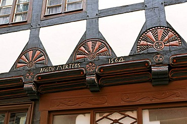 Beautifully carved beams, historic half-timbered house, historic centre, Quedlinburg, Harz, Saxony-Anhalt, Germany, Europe