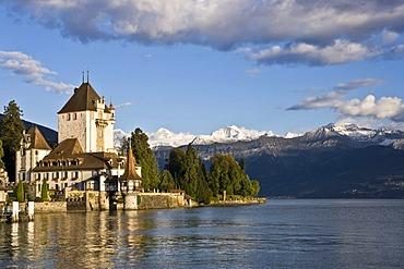 Schloss Oberhofen castle on Lake Thunersee, Bernese Oberland, Switzerland, Europe