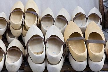 Wooden shoes, wooden clogs, wooden shoes