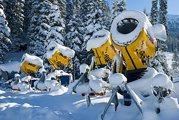 Snowy snow cannon out of service, Tyrol, Austria, Europe