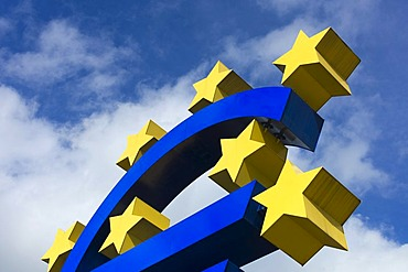 Symbol of the euro currency, Frankfurt am Main, Hesse, Germany, europe