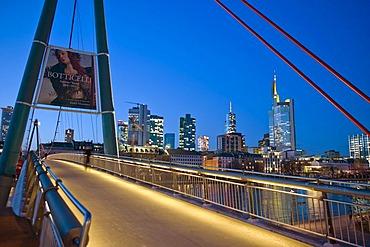 Evening mood, skyline, Holbeinsteg footbridge, Frankfurt, Hesse, Germany, Europe