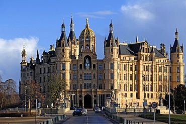 General view of the Schweriner Schloss castle, built from 1845 to 1857, romantic historicism, Lennestrasse 1, Schwerin, Mecklenburg-Western Pomerania, Germany, Europe