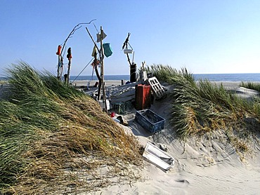 Beach art from various objects washed up from the North Sea island of Amrum, Germany, Schleswig-Holstein, Europe