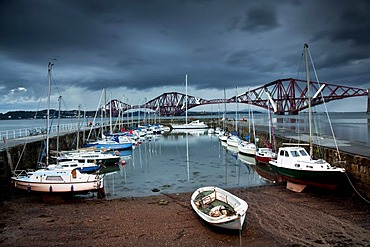 The Port of Queensferry with the Forth Railway Bridge, Scotland, United Kingdom, Europe