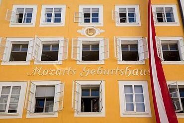 Mozart's birthplace in the Getreidegasse lane, W.A. Mozart, Salzburg, Austria, Europe