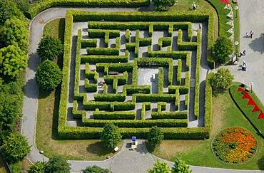 Aerial view, Centro Oberhausen, Neue Mitte, hedge maze, Centropark, Osterfeld, Oberhausen, Ruhrgebiet region, North Rhine-Westphalia, Germany, Europe