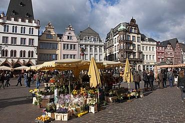 Market stalls on the main market square, Trier, Rhineland-Palatinate, Germany, Europe