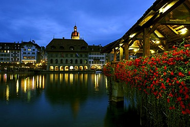 Kapellbruecke chapel bridge in front of the town hall, Lucerne, Canton of Lucerne, Switzerland, Europe