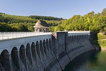 The barrage of the Listertalsperre storage lake in the Naturpark Ebbegebirge nature preserve, Sauerland region, North Rhine-Westphalia, Germany, Europe