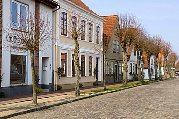 Lange Strasse street in Arnis, Schlei, Schleswig-Holstein, Germany, Europe
