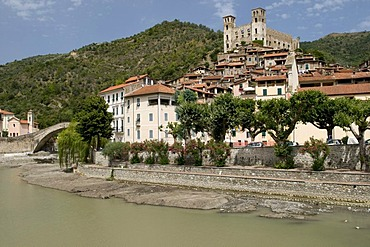 Mountain village Dolceacqua and the Castello Doria, in the Nervia Valley, Riviera, Liguria, Italy, Europe