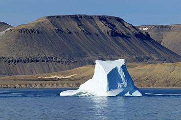Iceberg drifting through Lancaster Sound, Devon Island, Northwest Passage, Nunavut, Canada, Arctic