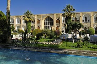 Historic Abbasi caravansaray and Hotel, UNESCO World Heritage Site, Esfahan, Isfahan, Iran, Persia, Asia