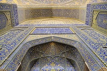 Colorful faience tiles in the central prayer hall of Shah or Imam, Emam Mosque at Meidan-e Emam, Naqsh-e Jahan, Imam Square, UNESCO World Heritage Site, Esfahan, Isfahan, Iran, Persia, Asia