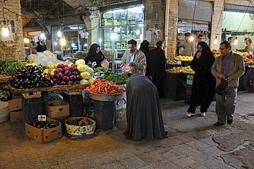 Fresh vegetables, shop in the covered bazar of Zanjan, Iran, Persia, Asia