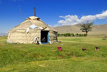 Altai yurt, Saljugem, Sailughem, Saylyugem Mountains, Chuya Steppe, Altai Republic, Siberia, Russia, Asia