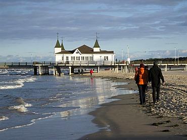 Beach, promenaders, pier, Ahlbeck, Usedom island, Mecklenburg-Western Pomerania, Germany, Europe